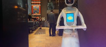 Marion the chamgagne robot