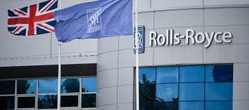 Engineer Rolls-Royce this morning maintained that it would return to positive free cash flow in the second half of 2021 as vaccinations kick in and travellers return to the skies.