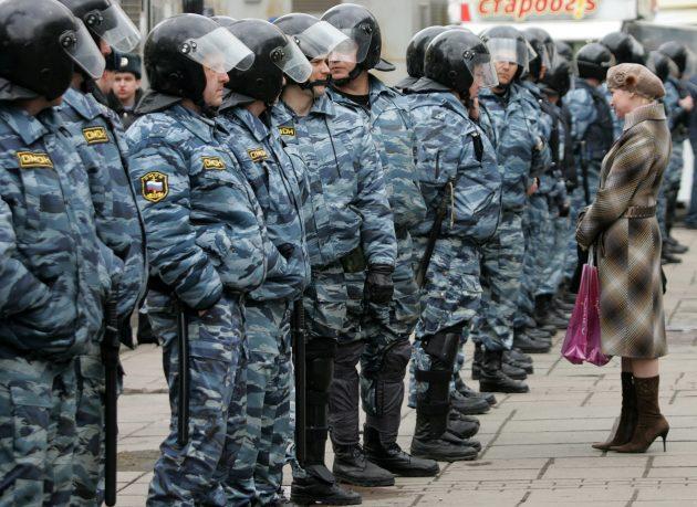Chess Champion Gary Kasparov Leads Anti Putin Demonstration
