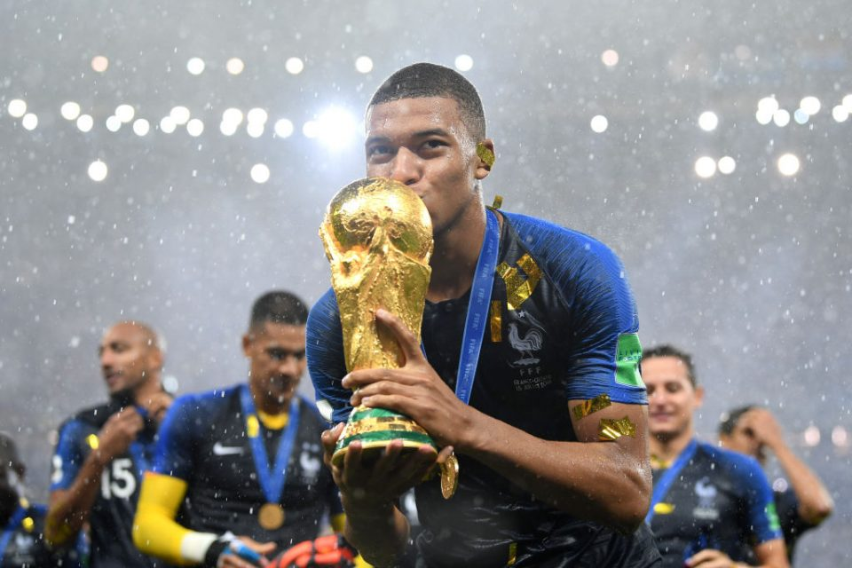 The World Cup and other major international football tournaments would be off limits for any player taking part in a breakaway European Super League, Fifa and other leading governing bodies have said