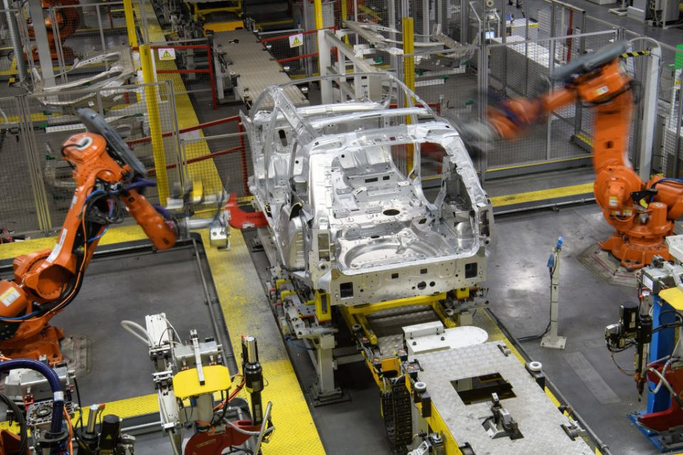 The UK can still be the gateway to Europe for foreign carmakers despite the challenges of leaving the EU, the head of the country's biggest auto trade body has said.