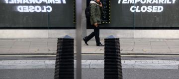 The UK unemployment rate rose to 5.0 per cent of the economically active population in the last quarter, spurred on by a record rise in redundancies.