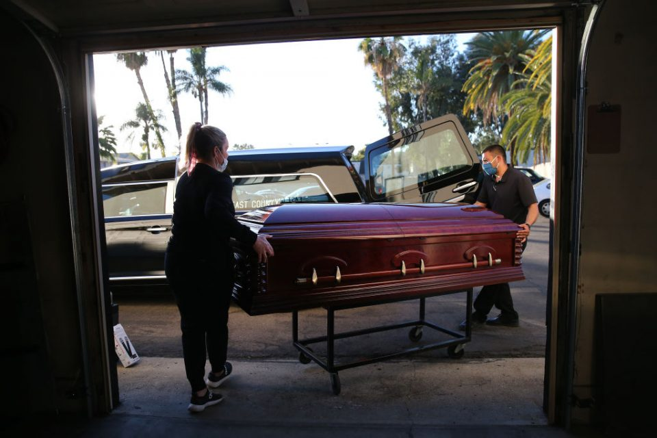 Southern California Funeral Home Works Through Worsening COVID-19 Surge