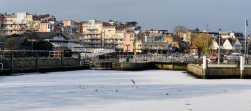 River Thames frozen