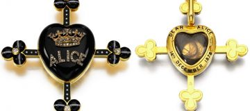 Queen Victoria's mourning brooch
