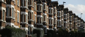 Report Warns Average Deposit For First Time Buyers In London To Rise To Over 100,000 GBP By 2020