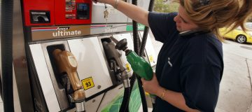 Oil prices rise 5 per cent as OPEC mulls supply cuts