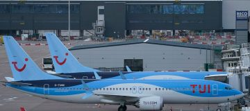 Tui to raise €350m from bond issue ahead of critical summer