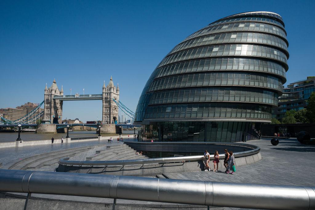 Walikota London menawarkan sokongan kewangan kepada Hongkong yang menetap di ibu negara