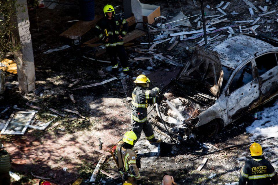Israel destroys Gaza tower block housing foreign media