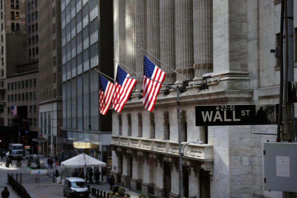 Markets Remain Volatile As Platforms Block Trades Of Certain Stocks