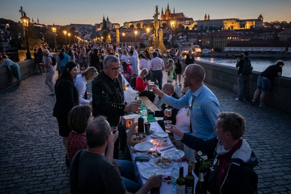 Prague Welcomes Summer With Al Fresco Dinner Party At Charles Bridge