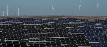 bp subsidiary lightsource will invest €475m (£407.6m) in three solar power projects in spain, which it today announced it had acquired from grupo jorge.