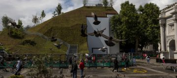 £6 Million Marble Arch Mound Fails To Wow Visitors