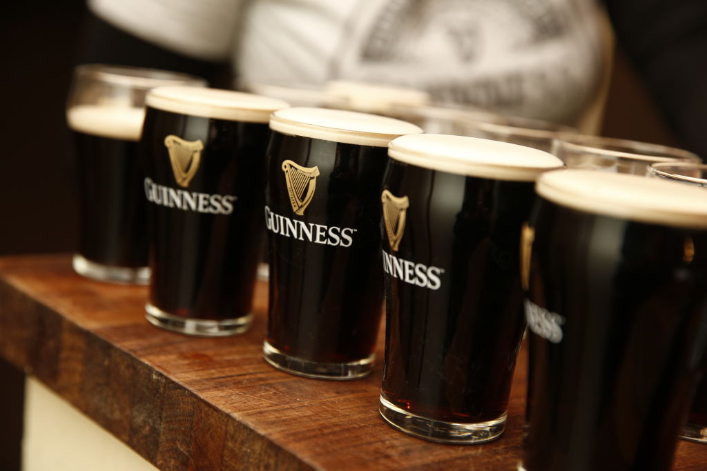 Pemulihan yang lebih baik dari perkiraan untuk pembuat Guinness Diageo meskipun ada masalah rantai pasokan