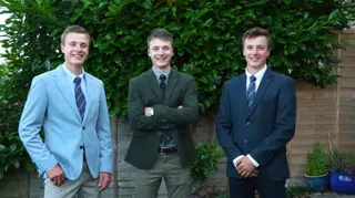 Three's a party: Isle of Wight triplets all receive first-class degree in geography