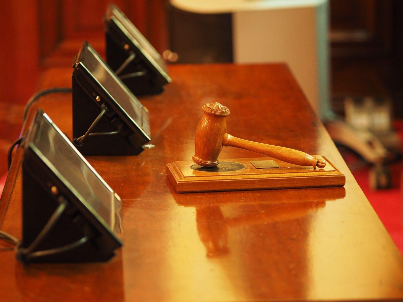 Tumpukan penuntutan: Pengadilan kriminal London didistribusikan kembali ke daerah lain