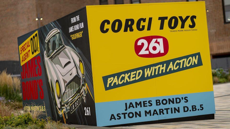 Aston Martin DB5 Corgi toy