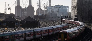 Govia-Thameslink-services-commuter-London