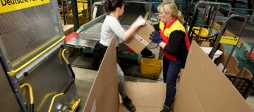 Deutsche Post Anticipates Busy Christmas Season