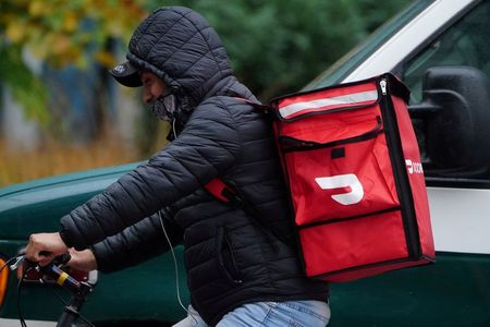 Soggy pizza? Delivery shifts soar as drivers 'boomerang' back to old jobs