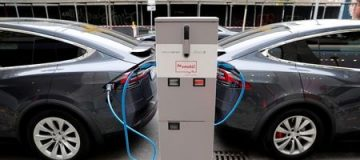 """The government is facing a """"mountain to climb"""" to deliver on its ambition to make all cars sold in the UK zero-emissions by 2035, MPs have said today."""