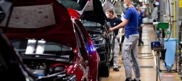 UK car manufacturers could produce up to 100,000 cars fewer than predicted this year as a result of the global shortage of semiconductors, an industry body has warned.