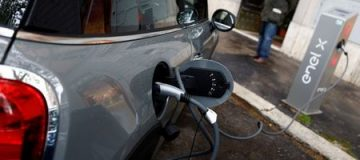 The upfront cost of buying an electric vehicle is putting people off buying one, new research from Which has found.